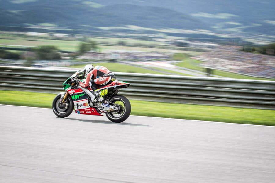 Aleix-espargaro-motogp-photographer-aprilia