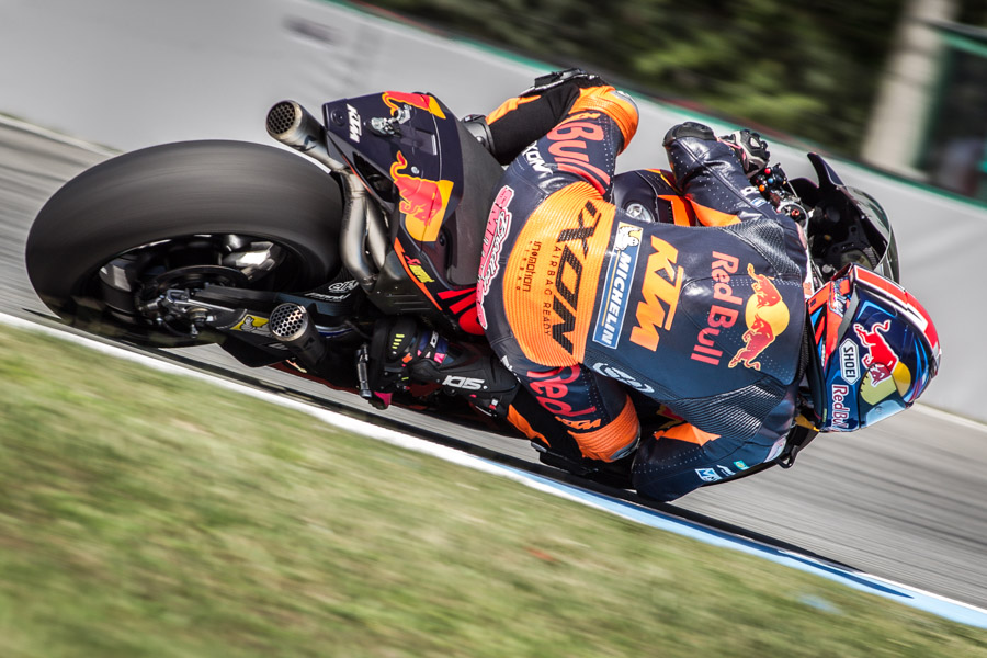 Bradley-smith-ktm-motogp-photographer
