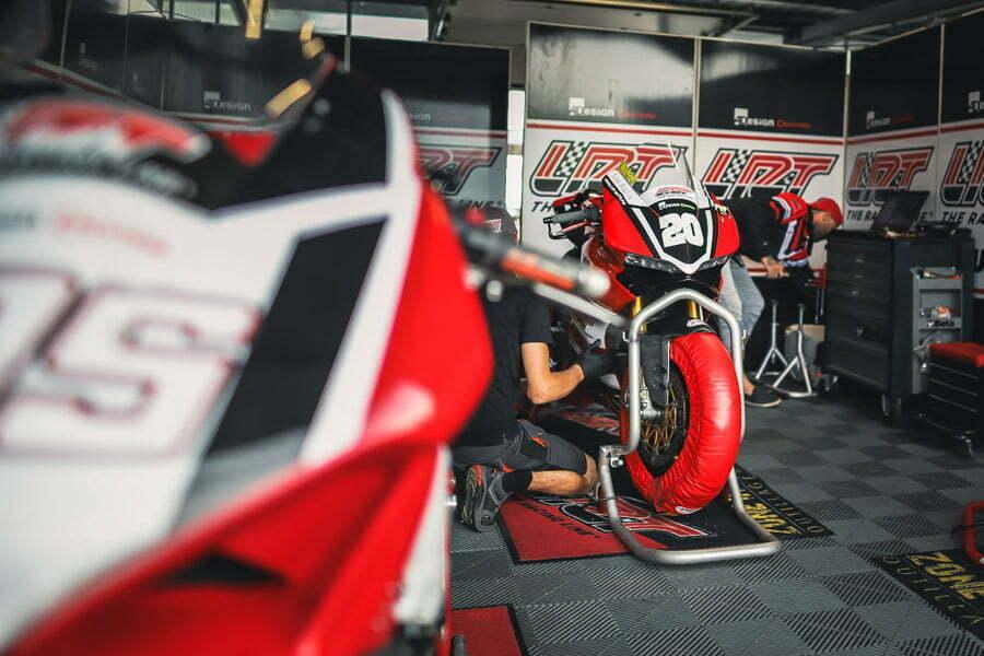 Ducati-panigale-superbike