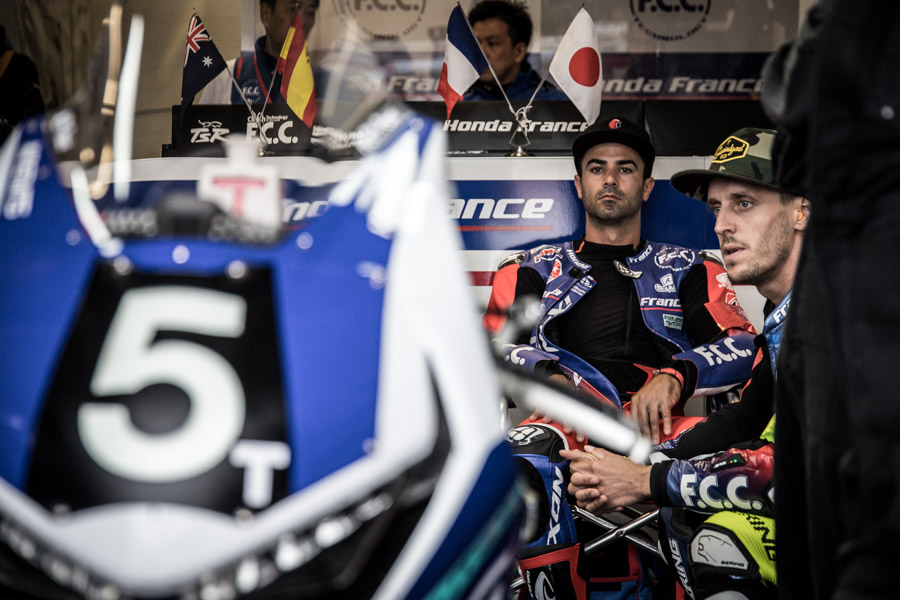 Mike-di-meglio-freddy-foray-honda-fcc-tsr-ewc-box