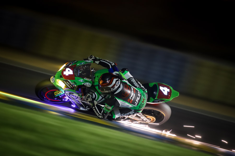 Night-kawasaki-tati-team-24hmotos-lemans-ewc-marcorelles-photographe