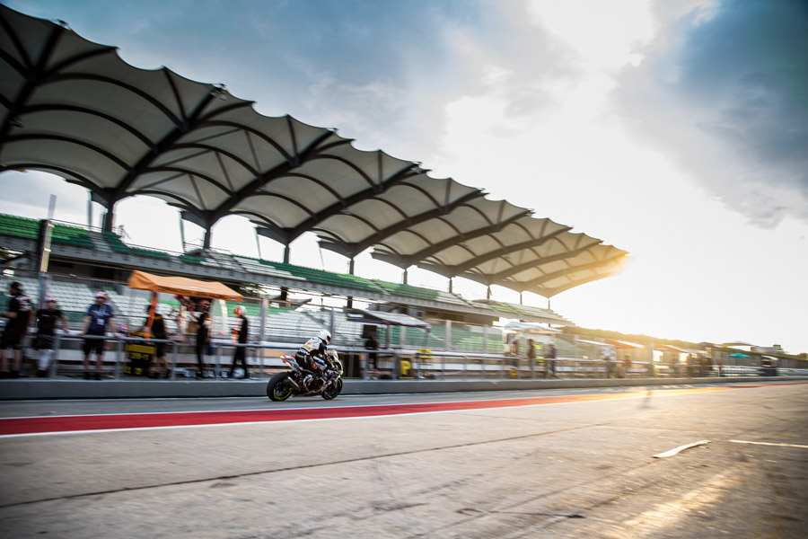Sepang-ewc-light-pitlane-photographer-marcorelles