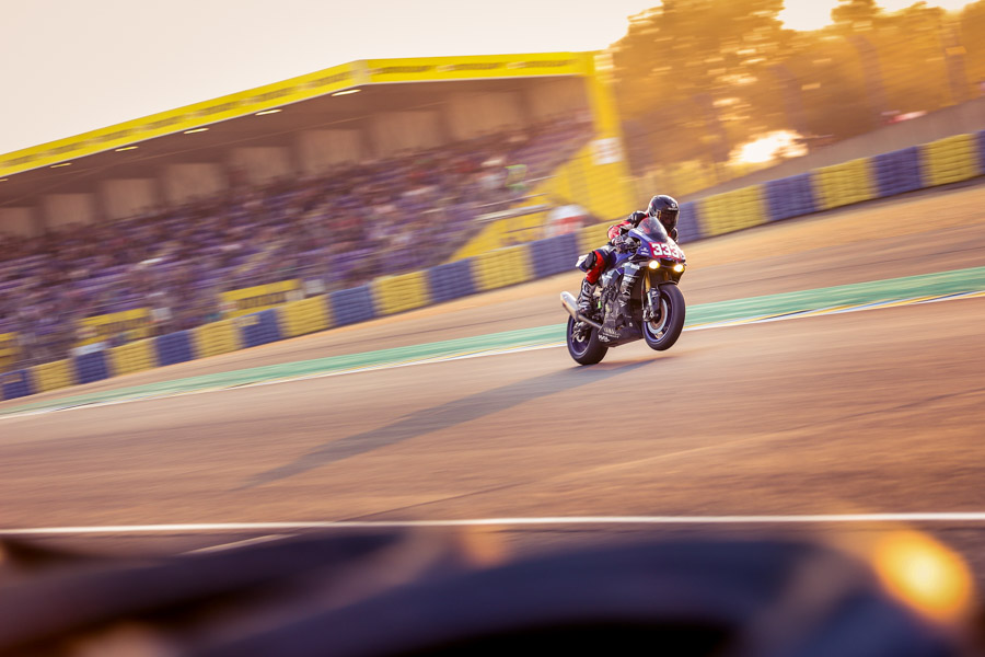 Yamaha-viltais-24hmotos-lemans-sunset-wheeling