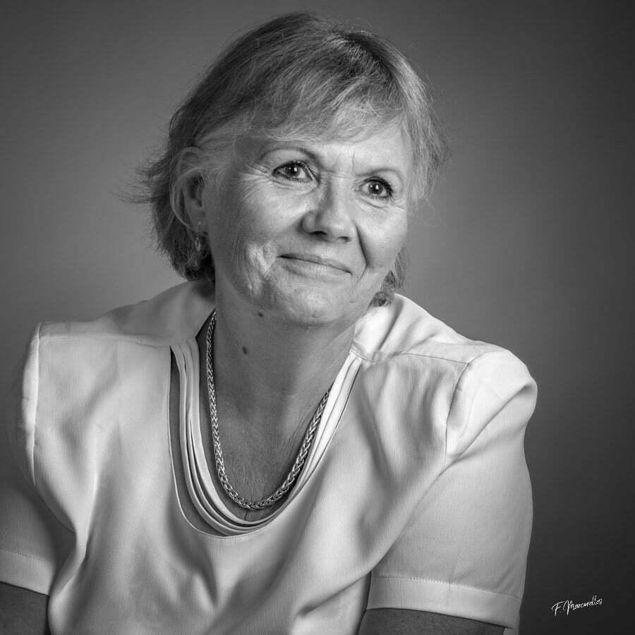Portrait-femme-studio-photo-rodez